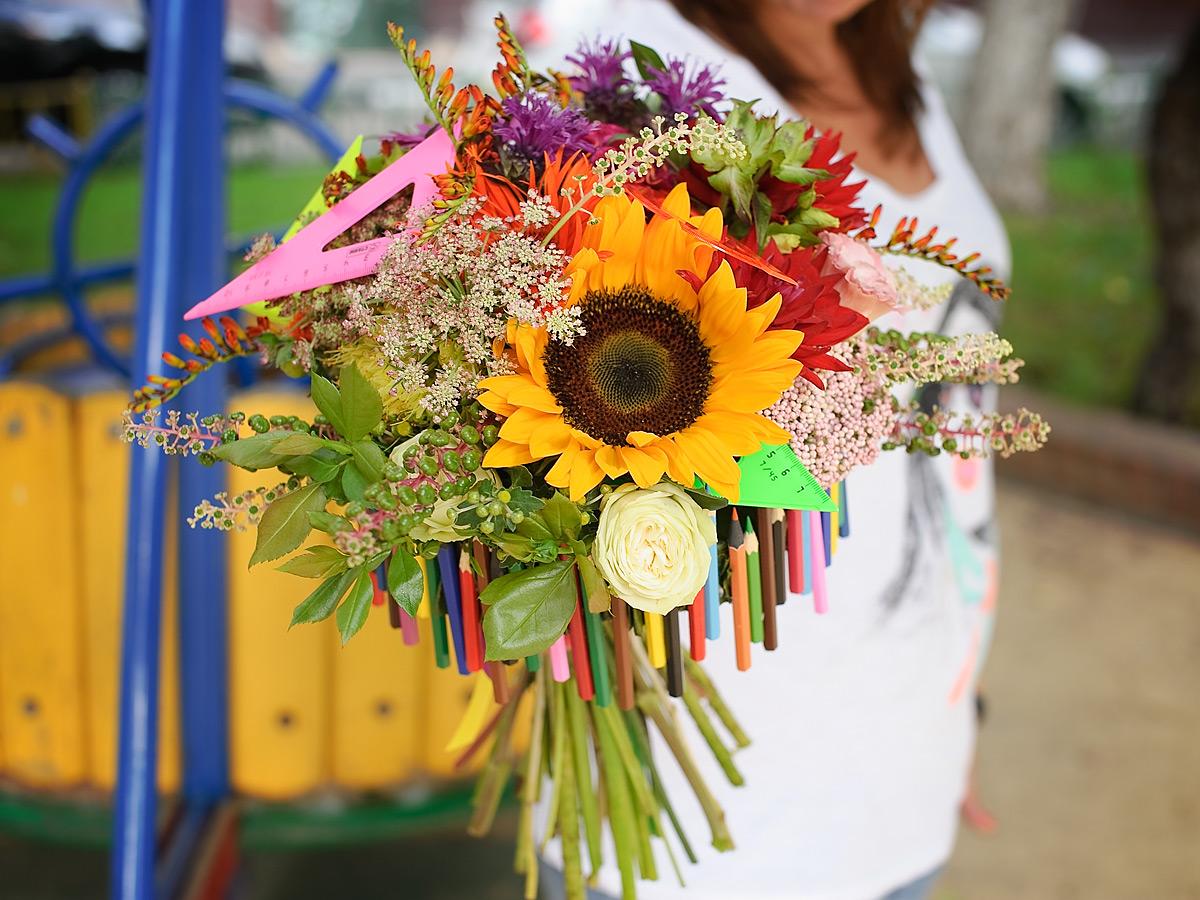 Как сделать цветы на 1 сентября