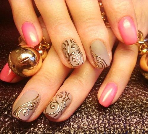 Узор литьем на ногтях