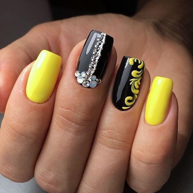 Черно желтый дизайн ногтей